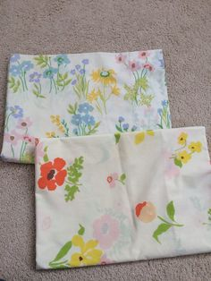 Sweet pair of vintage standard size pillowcases Two different floral designs Great addition to your vintage bedding Perfect for repurposing no stains $7