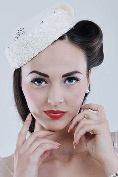 Vintage bridal elegance - Pillbox bridal hat with victory roll