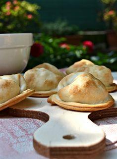 Ravioli di brisè con porri e pancetta