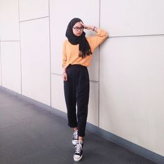 Vintage Outfits Modern Chic 41 Ideas For 2019 Modern Hijab Fashion, Street Hijab Fashion, Hijab Fashion Inspiration, Muslim Fashion, Fashion Pants, Fashion Clothes, Fashion Outfits, Fashion 101, Casual Hijab Outfit