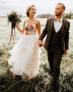(Embroidered Wedding Dress Colorful) - 20 Non-Traditional Bridal Outfits That Wow Colored Wedding Dresses, Wedding Gowns, Floral Wedding Gown, One Step, Nontraditional Wedding, Traditional Wedding Dresses, Offbeat Bride, Bridal Outfits, Casual Wedding Outfits