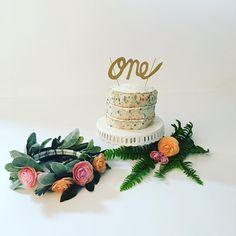 See this Instagram photo by @serendipity_photo_studio • 16 likes boho cake smash, baby girl cake smash,