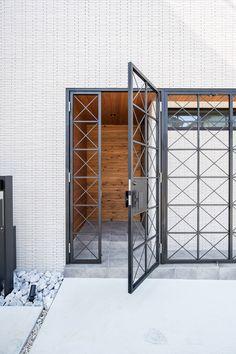 Front Gate Design, House Gate Design, Door Gate Design, House Front Design, Home Room Design, Dream Home Design, Outdoor Laundry Rooms, Window Grill Design, Iron Doors