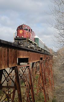 @Jenn L Richmond Trammell we should take the scenic train ride from monett, mo to ft smith sometime....