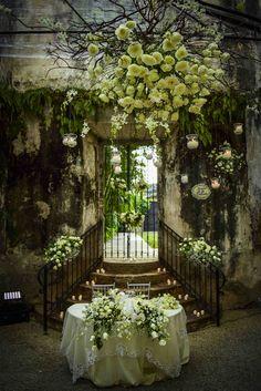 mesa novios, montaje con flores blancas, bodas en haciendas, Hacienda de Cortes bodas