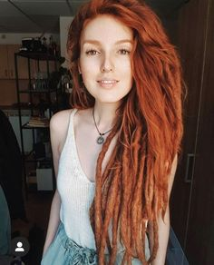 New Gene Regions Linked to Diabetic Kidney Disease in Type 1 - I'm a girl writing an article. Half Dreads, Red Dreads, Dreadlocks Girl, Dreadlock Hairstyles, Loose Hairstyles, Pretty Hairstyles, Half Dreaded Hair, Hair Colour For Green Eyes, Natural Dreads