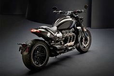Triumph Rocket 3 TFC motorcycle is equipped with the world's largest production motorbike engine. A British engineering masterpiece – the Rocket 3 TFC is… Concept Motorcycles, Triumph Motorcycles, Custom Motorcycles, Custom Bikes, Cars And Motorcycles, Vintage Motorcycles, Triumph Rocket, Triumph Tiger, Motos Triumph