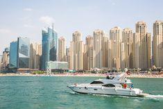 Op vakantie naar Dubai? Dit moet je doen! | Live love interior Dubai, New York Skyline, Boat, Tours, Live, Places, Travelling, Dinghy, Boats