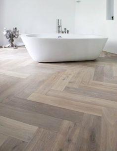 herringbone floor Fantastic Pic herringbone Bathroom Floor Concepts Precisely how you thought to b Wood Tile Bathroom Floor, Wood Look Tile Floor, Grey Wood Tile, Herringbone Tile Floors, White Wood Floors, Herringbone Pattern, Room Tiles, Design Bathroom, Bathroom Ideas