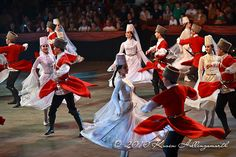 It's too bad that today when we have weddings, we don't have wedding dances like these!