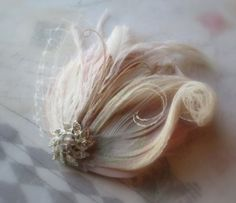 Blush Pink and Ivory Wedding Feather Hair Clip, Champagne Bridal Comb, Creamy Ivory  feather fascinator, French netting wedding hair, TI AMO...