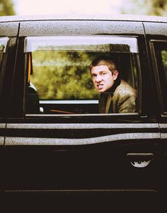Literally just spit coke all over myself laughing at the adorableness of Martin Freeman in this photo. He makes the best faces. Ever.