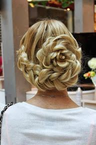 I wish my hair was long enough for this, but Michelle Vant could sytle her hair like this at her wedding. Gorgeous Braid Along Hairline into Floral Bun ♥