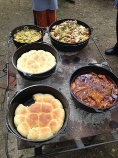 Fun camp cooking dishes are an especially excellent activity for family camp outs. On a household camping journey, fun camp cooking recipes can be tried at the end of a day while you are taking pleasure in the campfire. Cast Iron Dutch Oven, Cast Iron Cooking, Oven Cooking, Open Fire Cooking, Cooking Corn, Cooking Wine, Cooking Utensils, Cooking Tools, Cooking Classes