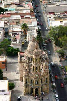 El magnífico Templo de San Antonio visto desde las alturas, en #Aguascalientes, #Mexico.