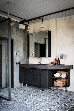Vintage Industrial Decor my scandinavian home: Cool industrial meets cosy rustic in a Swedish home conversion - Will you look at that? Have you got any fun plans for the weekend? As always I'd love to be heading off. Industrial Bathroom Design, Industrial House, Home, Bathroom Styling, Industrial Style Bathroom, Industrial Interiors, Bathroom Interior, Industrial Bathroom Decor, Bathrooms Remodel