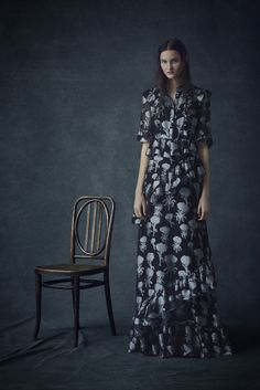 See the complete Erdem Pre-Fall 2016 collection.