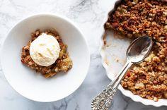 Frisk og superenkel rabarbrapai | Coop Marked Slow Food, Frisk, Snacks, Cake Cookies, Yummy Cakes, Oatmeal, Recipies, Goodies, Food And Drink