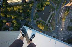 Image: Skywalking above Frankfurt, Germany. (© Vitaly Rascalov/Caters)