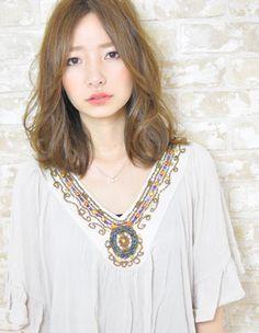 アフロートルヴア☆ラフなゆるふわミディアム☆ | 新宿の美容室 AFLOAT RUVUAのヘアスタイル | Rasysa(らしさ)