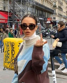 Nike Sweat, Sunglasses For Your Face Shape, Vogue, Look Vintage, Style Me, Street Wear, Men Street, Autumn Fashion, Cute Outfits