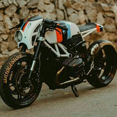 A classic Garelli converted to electric power, a Suzuki with a retro vibe, and a trio of BMW conversions—including an R nineT kit from Unit Garage. Bmw Cafe Racer, Cb 450 Cafe Racer, Moto Cafe, Custom Cafe Racer, Cafe Racer Motorcycle, Sportster Cafe Racer, Motorcycle Headlight, Motos Bmw, Bmw Motorcycles