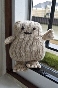 I was watching Doctor Who - the ep with the fat pills from Adipose where the fat walks away.and thought I need to knit an adipose. I'm sure I can recreate this guy. Crochet Toys, Knit Crochet, Crochet Stitches, Doctor Who Craft, Knitting Patterns, Crochet Patterns, Nerd Crafts, Knitting Projects, Baby Knitting