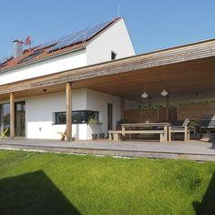 Bodenständig, aber mit moderner Wohnstruktur - Niederösterreich GESTALTE(N) Front Porch, Tiny House, Facade, Pergola, Barn, Exterior, Outdoor Structures, Live, Outdoor Decor