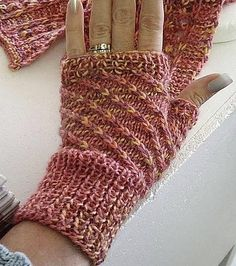 Free knitting pattern for Winter Wonderland Wrist Warmers - great for multi-color yarn