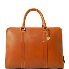Renowned for it's fine-grained Italian leather, the Alto Collection is the epitome of understated luxury. Pairing timeless styling with modern functionality, this briefcase is big enough for all your workday essentials, but streamlined enough to make the perfect style statement.
