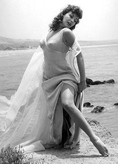 Attractive Nude Photo Of Mara Corday Pic