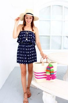 Summer outfit idea - this romper outfit is perfect for the transition to summer! Click through for more on this affordable summer outfit and for more summer outfit inspiration!