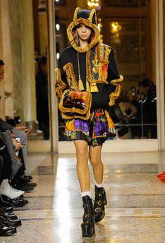 Vogue Runway Versace Fall 2018 Menswear