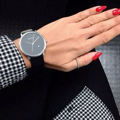 #Bering dla niej do pracy.  #work #classy #black #rednails #stylizacja #krata #match #silver #zegarek #watch #beringwatch