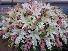 45 Beautiful Funeral Arrangements Ideas Easy To Make It 0831 Casket Flowers, Grave Flowers, Cemetery Flowers, Church Flowers, Funeral Flowers, Funeral Floral Arrangements, Large Flower Arrangements, Funeral Caskets, Funeral Sprays