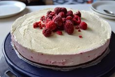 white chocolate and raspberry cheesecake. (Recipe in finnish)