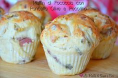 Muffin di Focaccia con Pancetta Olive e Pecorino Biscotti, Too Many Cooks, Vegetarian Snacks, Breakfast Items, Yummy Appetizers, Pain, Finger Foods, Buffet, Love Food