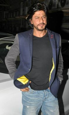 <3 Shahrukh Sexy-pants Khan :-*