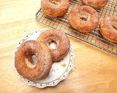Baked Cinnamon Sugar Apple Doughnuts - just for you mom! Yummy Treats, Sweet Treats, Yummy Food, Tasty, Cinnamon Sugar Apples, Cinnamon Donuts, Apple Cinnamon, Ground Cinnamon, Apple Doughnut