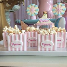 #festaparquedediversoes #temaparquedediversoes #temameninas #festainfantil #docesdecorados #feitoamao #sugarcraft Circus Party Decorations, Circus Theme Party, Party Themes, Carnival Cakes, Carnival Themes, Donut Birthday Parties, Carnival Birthday Parties, Third Birthday, Baby Birthday