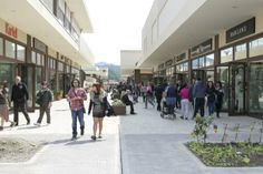 Grande folla per il primo giorno di apertura di ShopInn #Brugnato 5Terre.