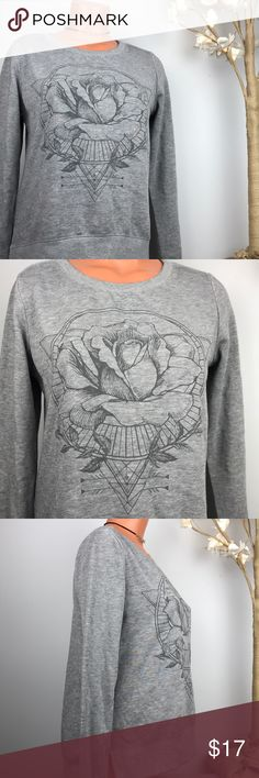 "🆕 OH SO COMFY ROSE SWEATER FIND YOUR BLISS SZ XS ✨ Zoe + Liv Lightweight Sweatshirt  ✨New with tags; very soft! ✨Size extra small  ✨Approx 23"" Long; 18.5"" pit to pit ✨Solid grey with pretty rose design on front 🌹  ✨Says ""Find Your Bliss"" on back Zoe+Liv Sweaters"