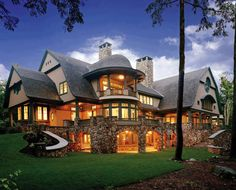 Wolfeboro Lakeside Manor--Fairytale House Inspired by the Natural Landscape. Style At Home, Lakeside Manor, Fairytale House, Home Fashion, My Dream Home, Dream Big, Exterior Design, Stone Exterior, Exterior Paint