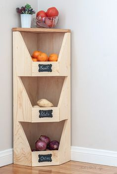 What a great DIY Kitchen produce storage idea!This is perfect for my small kitchen! How to build a DIY corner vegetable storage bin. It is so easy and has step by step instructions and plans. Vegetable Storage Bin, Produce Storage, Storage Bins, Diy Storage, Vegetable Bin, Storage Ideas, Corner Storage, Small Storage, Woodworking Bench Plans
