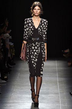 Bottega Veneta - Spring Summer 2013 Ready-To-Wear - Shows - Vogue. Passion For Fashion, Love Fashion, Runway Fashion, Fashion Show, Fashion Design, Milan Fashion, Glamorous Chic Life, Spring Summer, Spring 2015