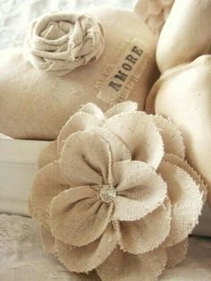 These super cute DIY Book Flowers are an inexpensive way to give a new purpose to an old tattered book. Description from pinterest.com. I searched for this on bing.com/images