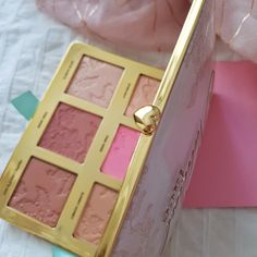 The prettiest palette ever – Makeup Loving Me Beauty Stuff, My Beauty, Makeup Items, Natural Face, Pretty Face, Most Beautiful, Palette, Pure Products, Pallet