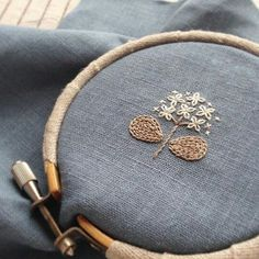 Today& one-point embroidery. Was it a bit awkward? Free Motion Embroidery, Hand Embroidery Stitches, Embroidery Art, Cross Stitch Embroidery, Embroidery Patterns, Japanese Embroidery, Sewing Crafts, Needlework, Creations