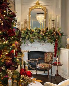 French Country Christmas, Italian Christmas, French Bed, Christmas Interiors, Thought Of The Day, American Country, Joy, Holiday Decor, Tabletop