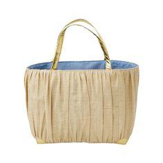 Diese wunderschöne Korbtasche von Rice bietet jede Menge Platz für nahezu alle Gelegenheiten. Praktisch und schön zugleich, das schafft nur rice. Die Korbtasche ist in zwei Größen erhältlich.